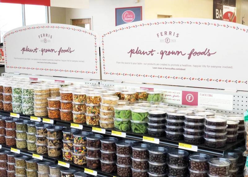 """This week, Gordon Food Service's new urban retail concept opened its doors, inviting Grand Rapids-area customers the chance to see the """"experience"""" focused format"""