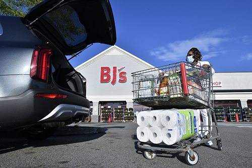 BJ's Wholesale Club has unveiled new plans to continue building out its buy online, pick up in-club service to now include fresh and frozen items (Photo credit: Business Wire)