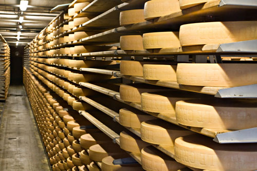 Across America, cheesemakers are stockpiling their wares as exports dwindle and consumer tastes change.