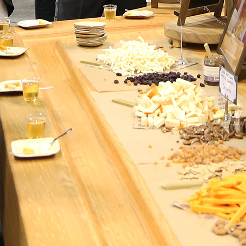 Laura Werlin and Dairy Farmers of Wisconsin sampled a variety of cheese pairing options at the 2019 Winter Fancy Food Show