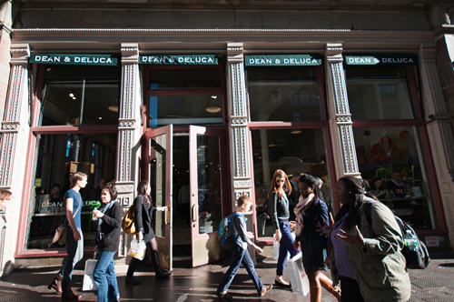 Dean & DeLuca has quietly shuttered several of its stores in the past year