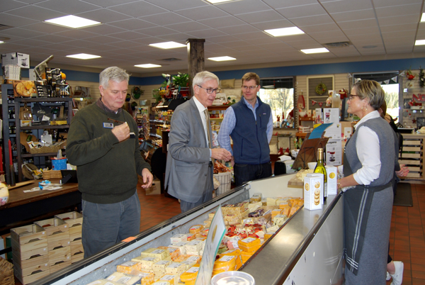 This past Friday, Eau Galle hosted Wisconsin Governor Tony Evers to its production facility for an exclusive tour and discussion