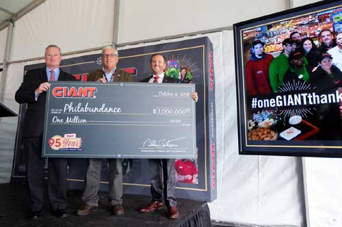 GIANT Food Stores President Nicholas Bertram presents Philabundance with $1 million donation. Pictured L to R – Philadelphia Mayor Jim Kenney; Glenn Bergman, Executive Director, Philabundance; and GIANT Food Stores President Nicholas Bertram