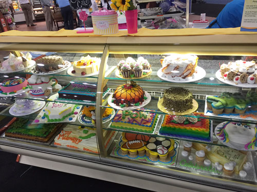 Cakes by 1st Place Winner Sara Vanderheyden from Hy-Vee Inc., Ames, IA