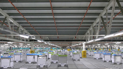 With its first CFC—an automated warehouse facility with digital and robotic capabilities—both Ocado and Kroger are hoping to introduce innovative robotics technology to the masses and allow for next-generation automated storage