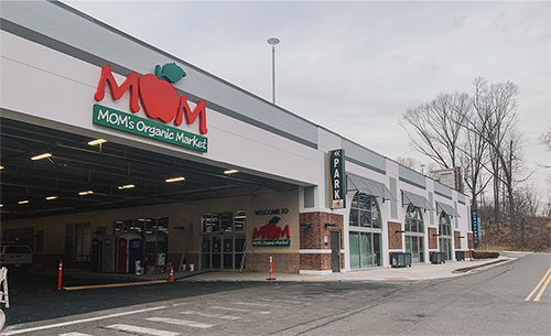MOM's Organic Market has made its entrance into New York with a new location in Dobbs Ferry