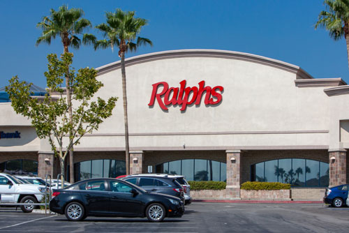 Union leaders of seven Southern California Vons and Ralphs stores may soon vote to authorize a strike