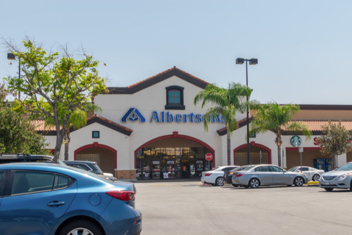 Safeway-Albertsons has announced a working partnership with US Foods, allowing US Foods team members to shift to Safeway distribution centers
