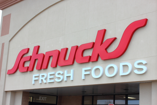 Schnuck Markets is supporting local foodservice operators by investing roughly $200,000 to purchase restaurant gift cards