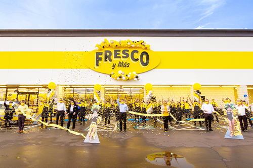 Southeastern Grocers renewed 32 stores to improve shopping experiences, opened eight new Winn-Dixie stores in Florida, and expanded its Hispanic grocery chain Fresco y Más into a new community in Southwest Florida