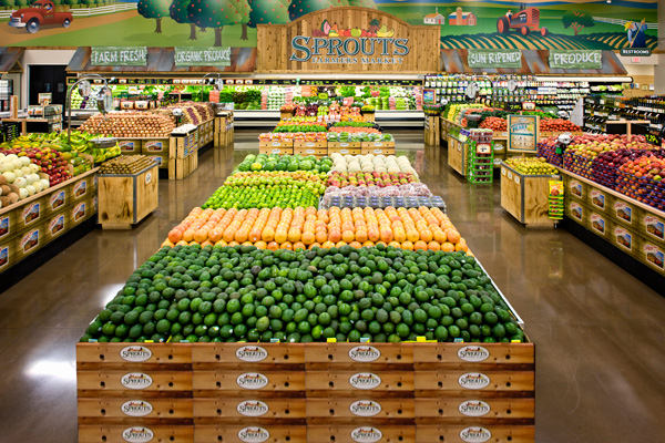 The new location weighs in at 33,000 square feet. It also features an open store layout that highlights fresh departments, like wholesome grains, nuts, sweets, and produce
