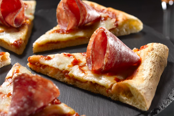 First debuting at the 2020 Winter Fancy Food Show in San Francisco, California, the Naples-style pizza will further expand Veroni's Enjoy AperiTime's range of products designed for the American market