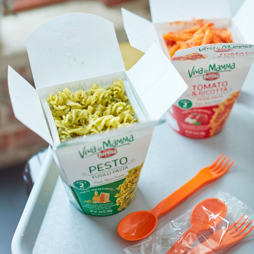 Viva la Mamma pasta kits are available in six varieties including Pesto and Tomato & Ricotta